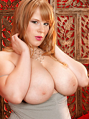 Red bbw strip girl from Ohaio