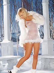 Playmate of the Month February 2002 - Anka Romensky…