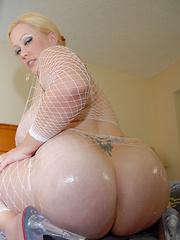 Big booty, big titties, big slut!