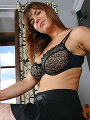 Jastin Erato in black bra