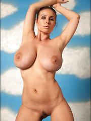 Busty Vassanta drops her pink lingerie and get naked
