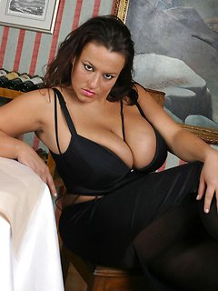 babes model Aneta Buena